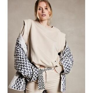 Sweater statement shoulder - cement